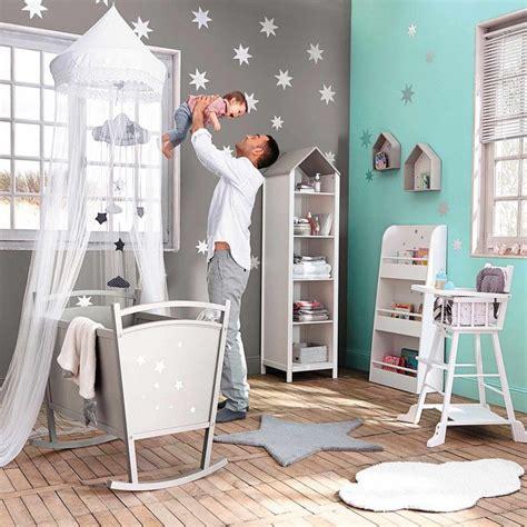 pochoirs chambre bébé idée déco peinture chambre enfant déco bébé