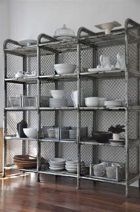 ideas de como poner estantes de metal en casa dream