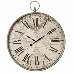 Horloge Murale Chiffre Romain : horloge murale chiffre romain immense en forme de montre ancienne ~ Teatrodelosmanantiales.com Idées de Décoration