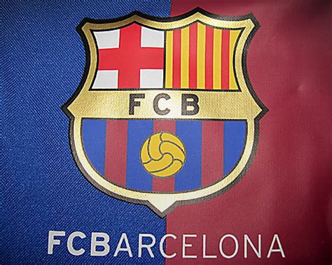 barcelona colors f c barcelona holdall bar 231 a sports bag in the club