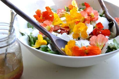cuisiner avec des fleurs les fleurs comestibles archzine fr