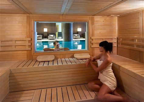 donne al bagno turco devi costruire il bagno turco o la sauna finlandese