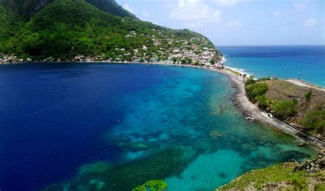 backpacking  dominica ultimate travel guide travelsauro