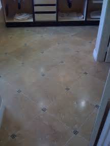 tile bathroom floor ideas these diagonal bathroom floor tiles small tile accent pieces in the corners
