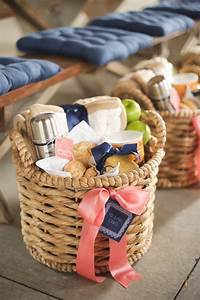 bridal shower gift basket ideas de eventos pinterest With diy wedding gift basket