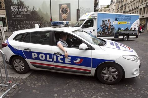 Police Open Fire On Car That Tried To Crash Tour De France