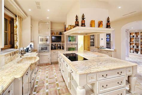 cocina  office clasica  encimeras de marmol