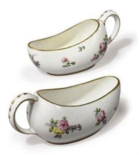 Gravy Boat Fancy Dress by Ladies Bourdaloue Urinal For Under The Dress Chamber