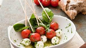 Tomate Mozzarella Spieße : tomaten mozzarella spie e mit frischem basilikum pesto ~ Lizthompson.info Haus und Dekorationen
