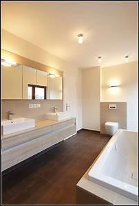 Badezimmer Spiegelschrank Mit Beleuchtung : badezimmer spiegelschrank mit beleuchtung wei download page beste wohnideen galerie ~ Indierocktalk.com Haus und Dekorationen