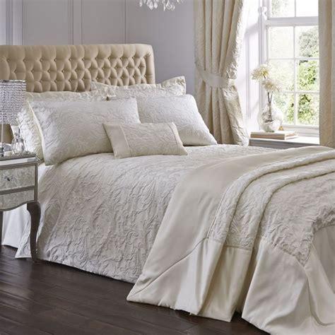Ivory Duvet Cover by Luxury Spencer Jacquard Duvet Cover Set Ivory