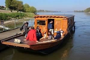 La Loire En Bateau : pique nique sur une le bord d 39 un bateau traditionnel de loire entre angers et nantes ~ Medecine-chirurgie-esthetiques.com Avis de Voitures