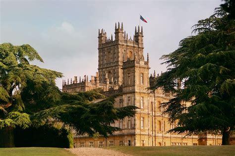 book  downton abbey estate  airbnb   night  travel insider
