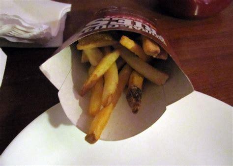 smells  food   carls jr original  dollar burger