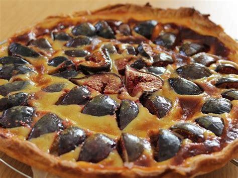 cuisiner des figues fraiches tarte aux figues fraîches recette de tarte aux figues
