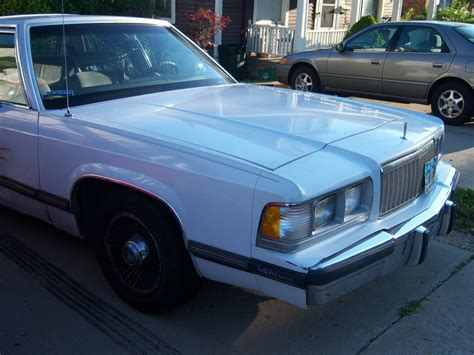 dadscamaro  ford marquis specs