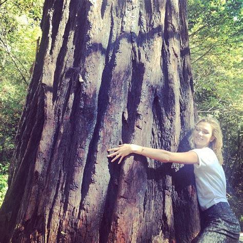 Karlie Kloss Hugged Tree California Celebrity