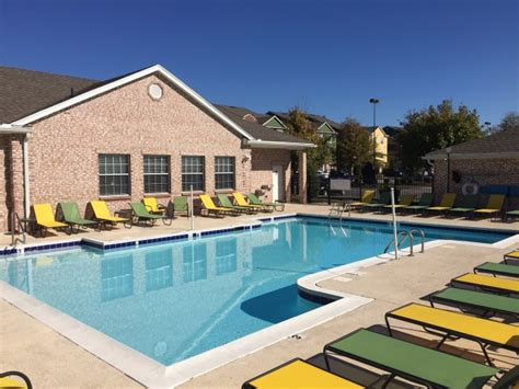 Camelot Apartments Bowling Green Ky by Hilltop Club Apartments In Bowling Green Ky 270 781 7