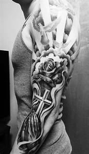 Tatouage Demi Bras Homme : id e tatouage homme 20 motifs tendance r cup r s sur pinterest tatouages homme tatouage ~ Melissatoandfro.com Idées de Décoration