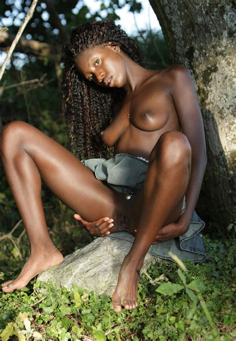 Naked Pygmies Nude Images