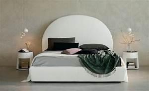 Table De Chevet Ronde : table de chevet indispensable dans la chambre coucher ~ Teatrodelosmanantiales.com Idées de Décoration