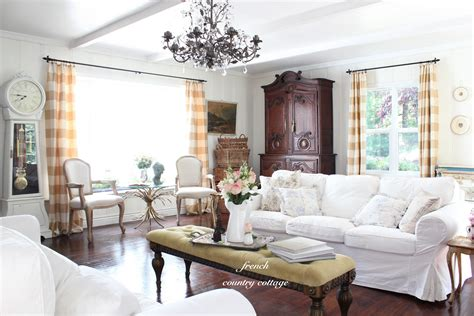 country livingroom summer living room country cottage