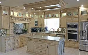 Calgary custom kitchen cabinets ltd kitchen cabinets for Kitchen furniture calgary