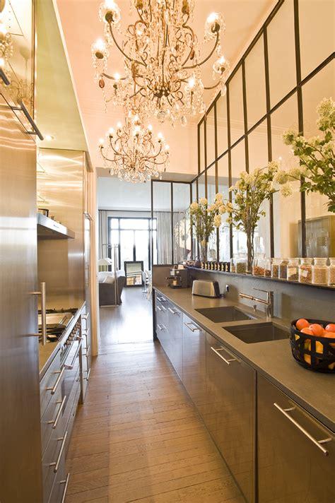 cuisine et bains magazine la cuisine derrière la verrière cuisines et bains