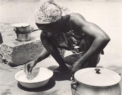 femme plus cuisine cuisine africaine en plein air ées 80 koko bobo
