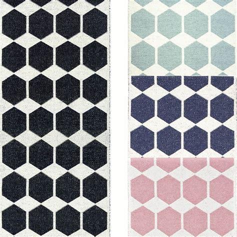 tapis de couloir design tapis de couloir tapis r 233 versible en pvc par brita sweden