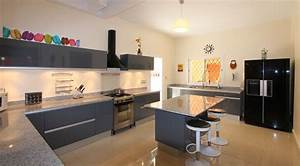 cuisine lineaire avec ilot idees decoration interieure With idee deco cuisine avec modà le de cuisine Équipée en u