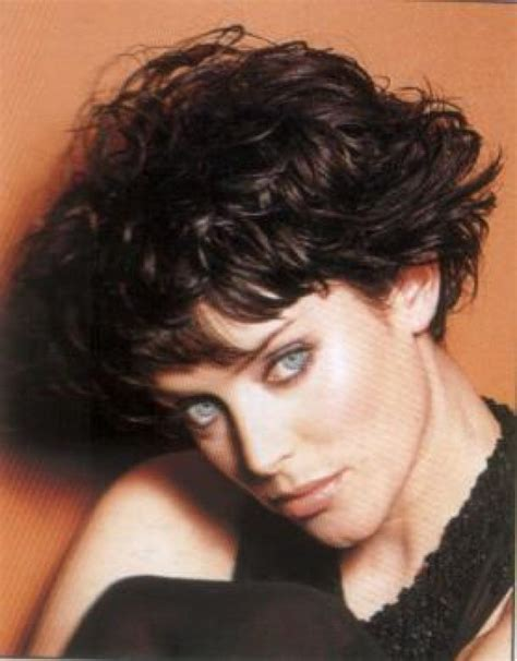 wedge haircut for curly hair 51 best sassy curly hair styles images on