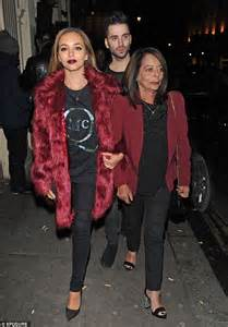 Her parents got divorced in 2009. Leigh-Anne Pinnock enjoys late night out with Jade ...