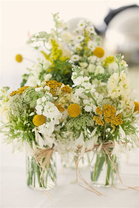 yellow flower arrangements ideas