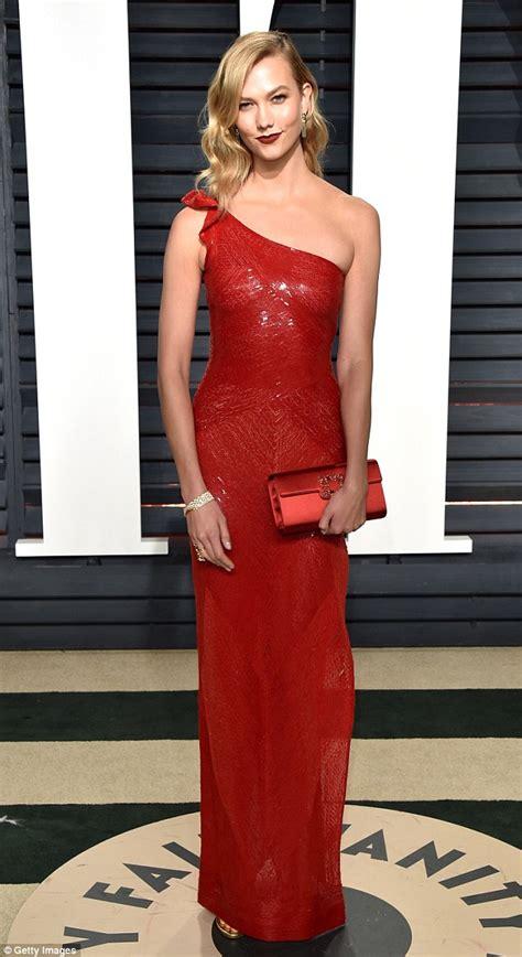 Karlie Kloss Smoulders The Vanity Fair Oscar Party