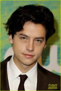 Cole Sprouse Suits Up for CW Upfronts With ...