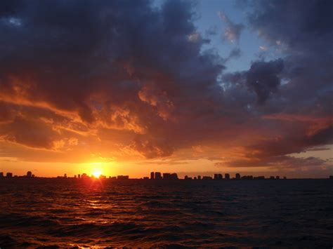 fort lauderdale charters cast   day sunset
