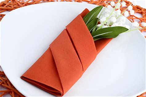 servietten falten bestecktasche einfach servietten falten tips servietten falten anleitung mit fotos