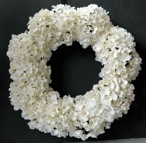 hydrangea wreath someday wedding ideas pinterest