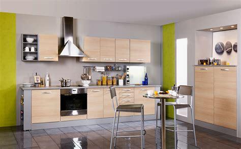 sol cuisine ouverte cuisine carrelage gris beton galerie avec sol cuisine