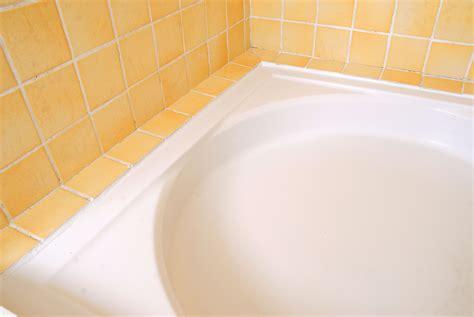 remplacer un joint silicone autour du lavabo du bac 224