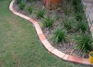 lawn edging ideas brick - Inexpensive Landscape Edging
