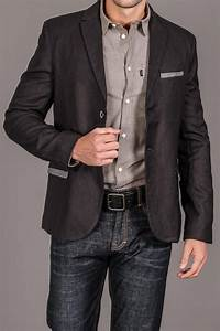 Awesome Blazer. But the combination of that shirt and jeans make him a low level salesman in OK ...