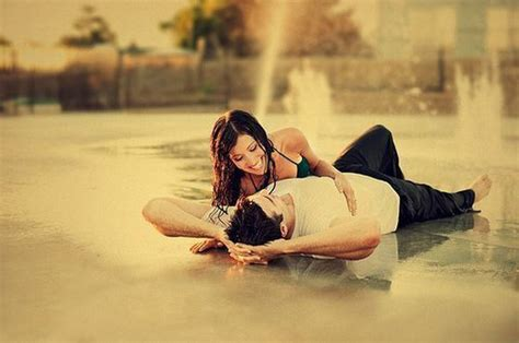 Couple Romantic Wet Affection Feelings Love Photosz