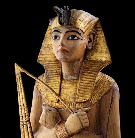 king tut exhibit tutankhamun  golden king