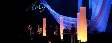 throwback light pillars church stage design ideas