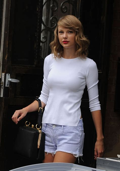 TAYLOR SWIFT in SHorts Leaves Her Apartment in New York ...