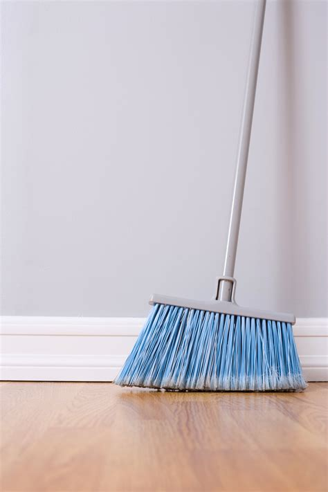 cleaning hardwood floors with vinegar and water floor design ing wood floors with vinegar and water