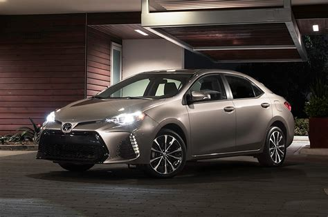 With 43 million respectable examples has been sold worldwide, it proved one of toyota's. 2018 Toyota Corolla XSE First Test: Xtremely Slow Edition ...