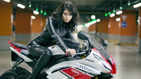 More And More Women Are Riding Motorcycles In The Us